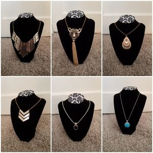 Lot of necklaces!!